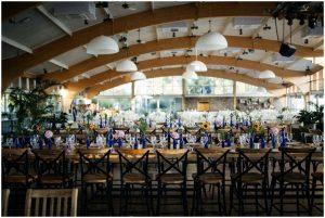 חתונה בגן אירועים בעיצוב כחול לבן